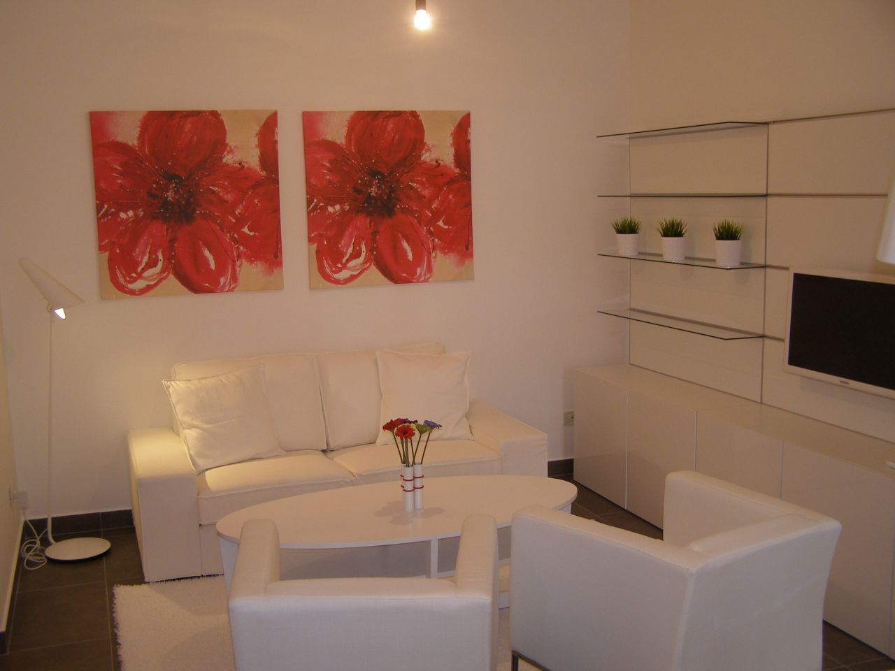 Rent Apartment in Albania, Tirana. One bedroom Apartment for Rent Tirana