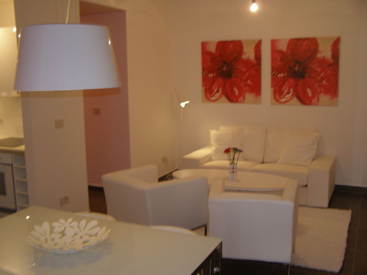 high quality apartment for rent in a very good residential complex in tirana