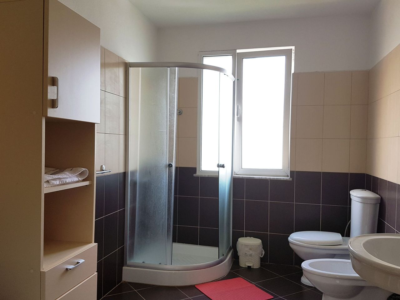 Albania Real Estate for Rent in Tirana. Spacious Apartment for Rent
