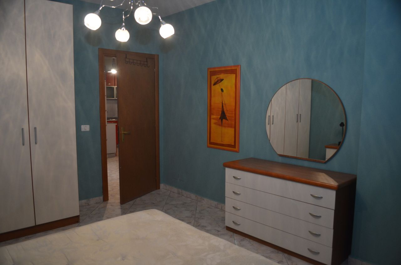 Appartamenti in affitto a Tirana, la capitale dell'Albania. L'appartamento è situato in una posizione centrale.