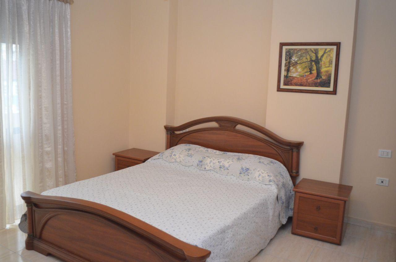 Szobás lakás kiadó Tiranában, jó helyen és jó feltételekkel.