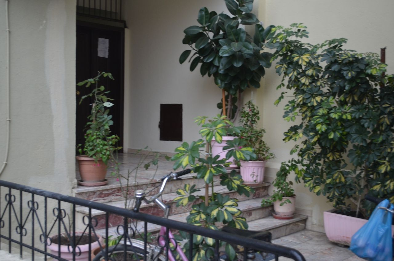 One bedroom apartment  for rent in Tirana, in a good location and with good conditions.