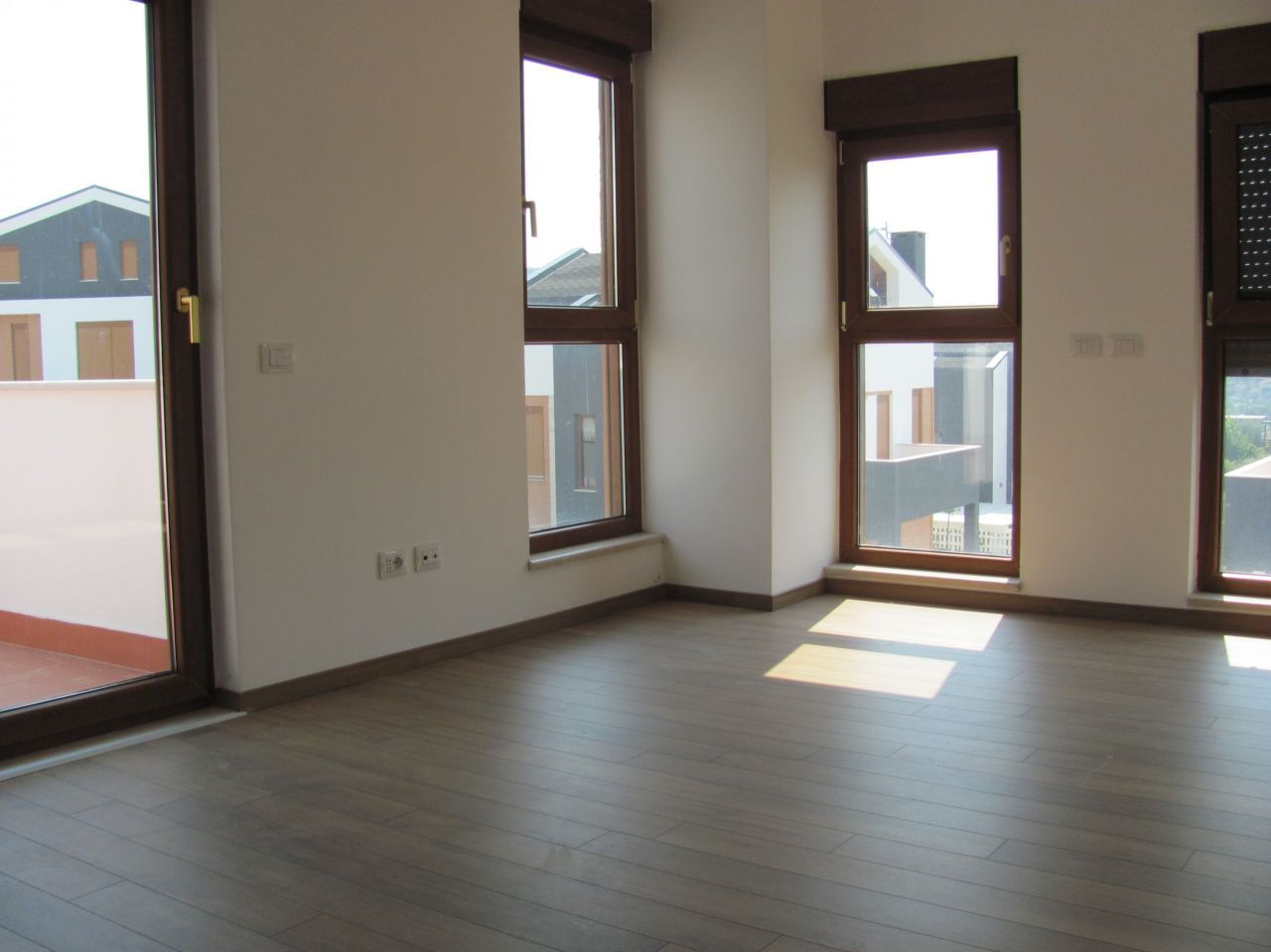 property for rent in tirana, the construction is brand new and the place very peaceful