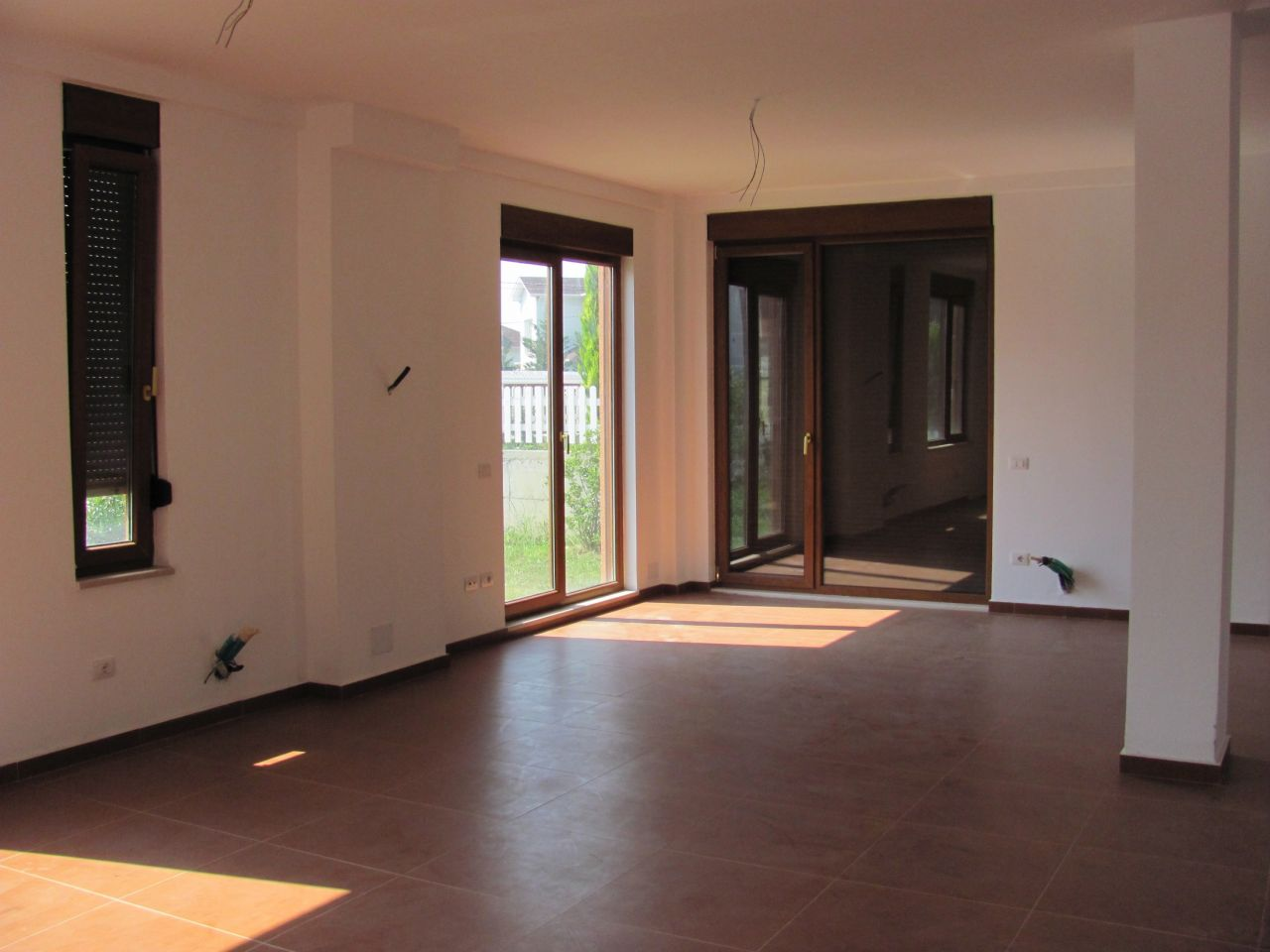rent villa in tirane in a very nice residential complex in the outskirts of the city