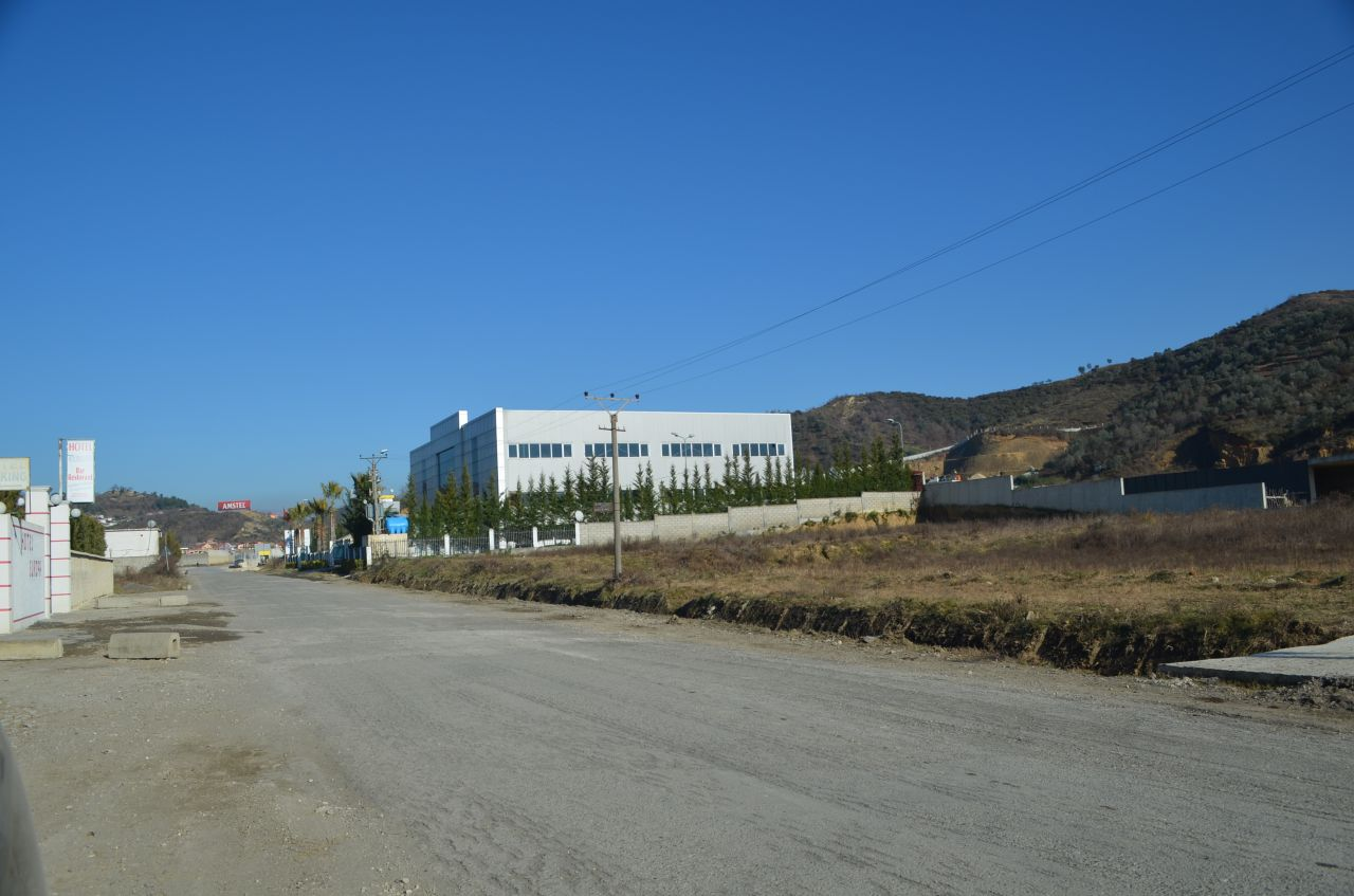 7 Vore, Tirane 1051