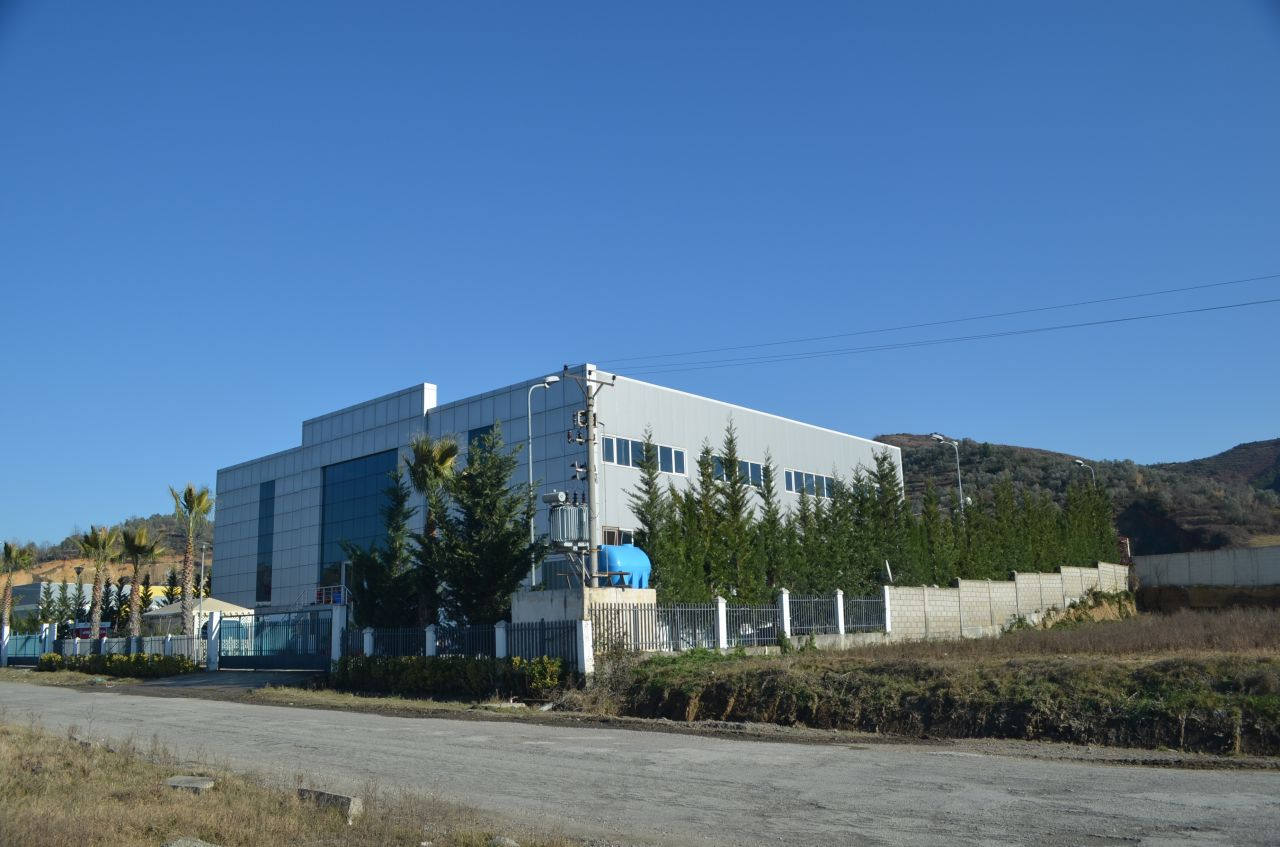 Warehouse for rent in the highway Tirana-Durres