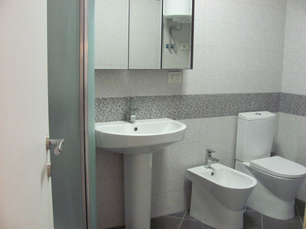 Apartments for Rent in Tirana. Near Park and Lake in Tirana
