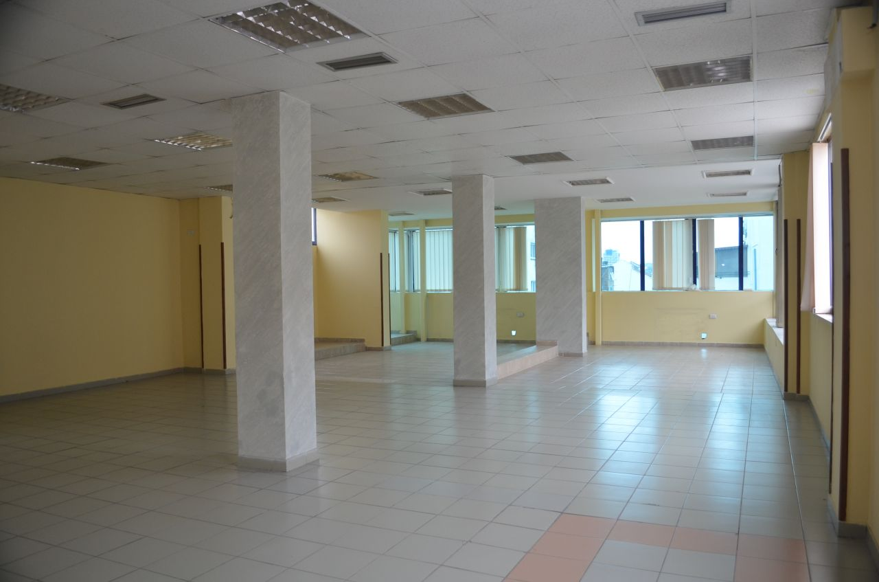 Building for Offices for Rent located in the center of Tirana