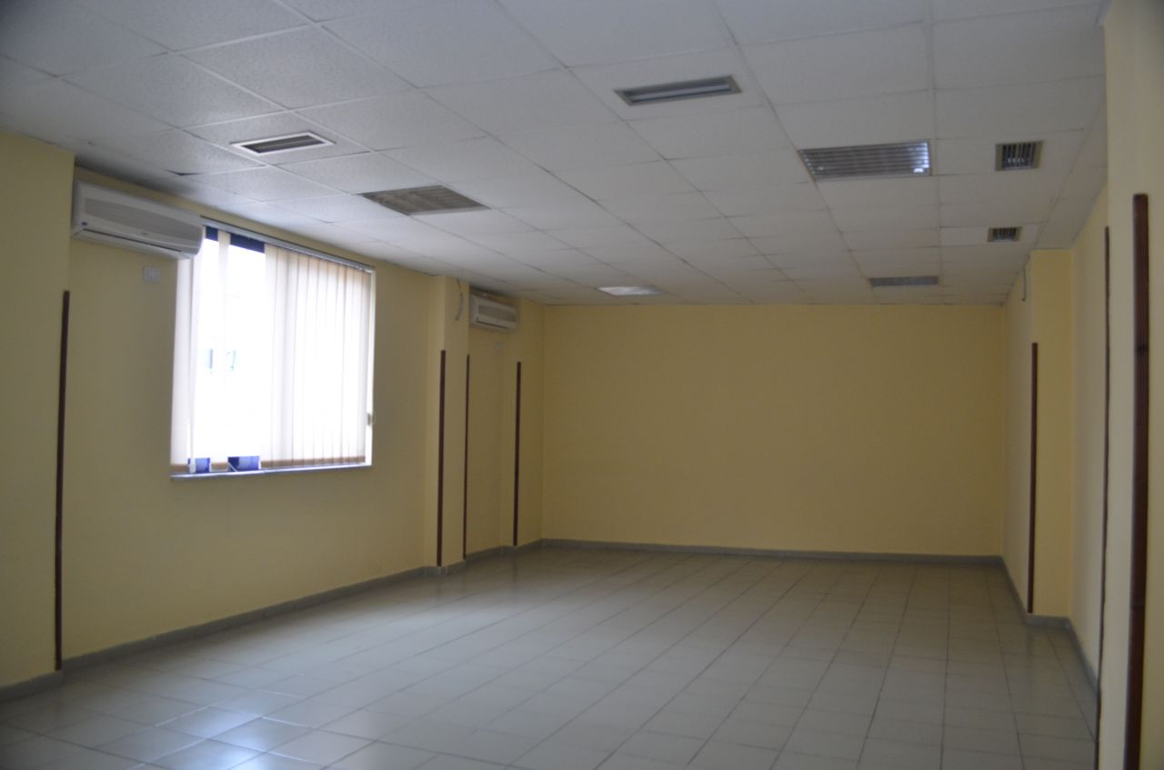 7 Boulevard Zogu I, Tirane 1001