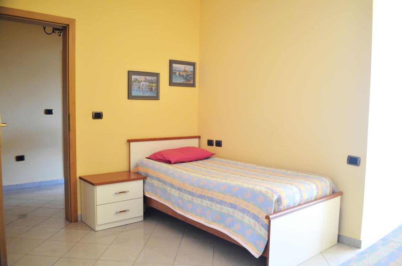 Apartament me qera ne Bllok me dy dhoma gjumi