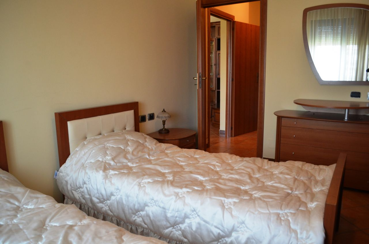 Apartament me Qera ne Tirane ne Zonen e Bllokut
