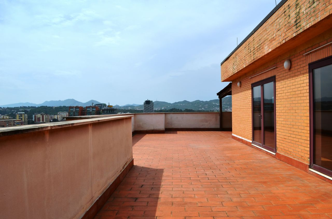 Apartment for Rent with a very big terrace