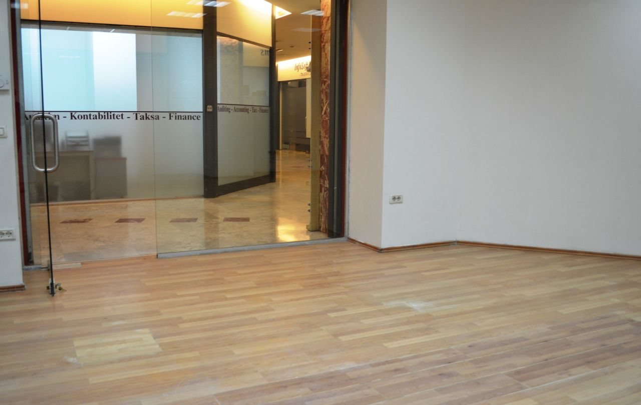 Commercial Space for Shop or Office in the Center of Tirana for Rent