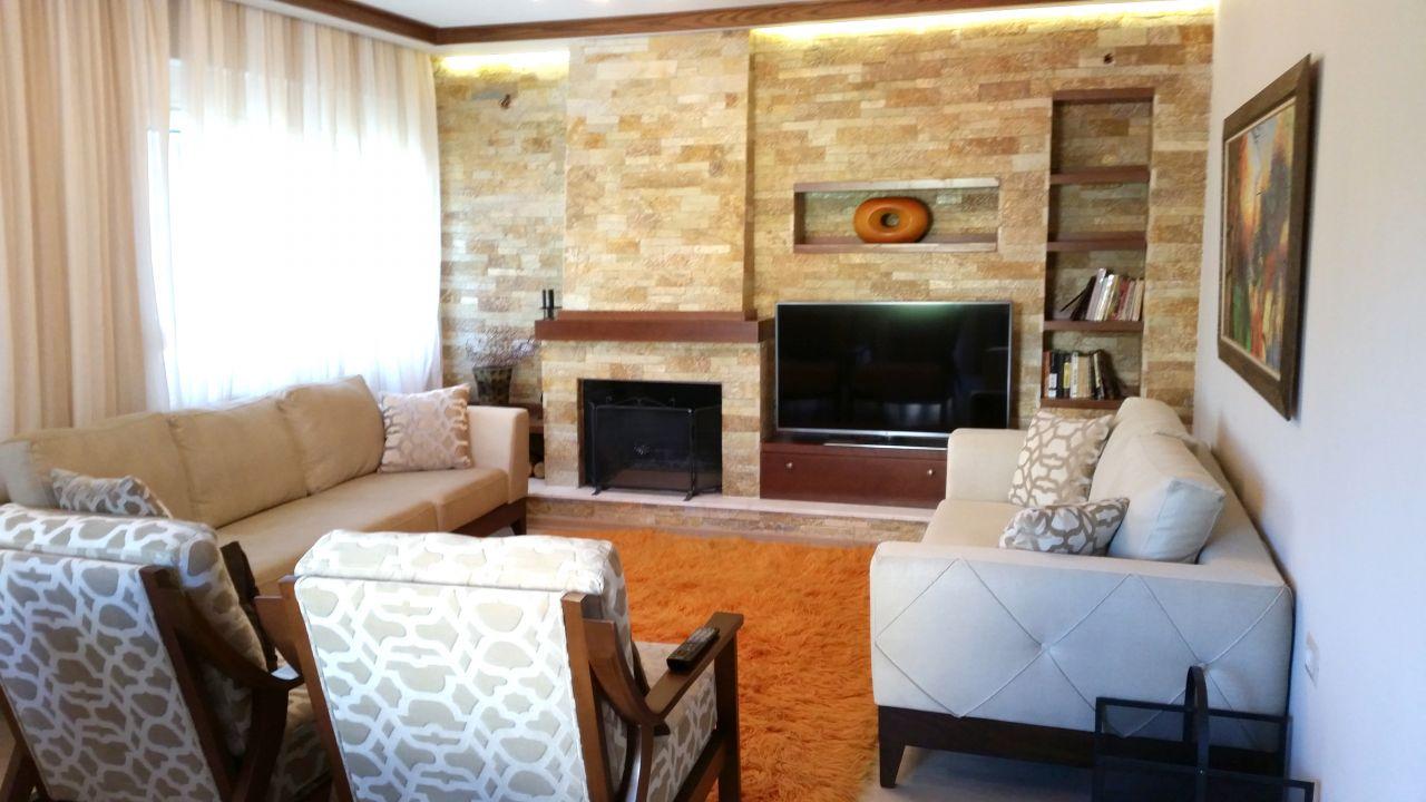 Wonderful Apartment for Rent in Tirana Blloku Area