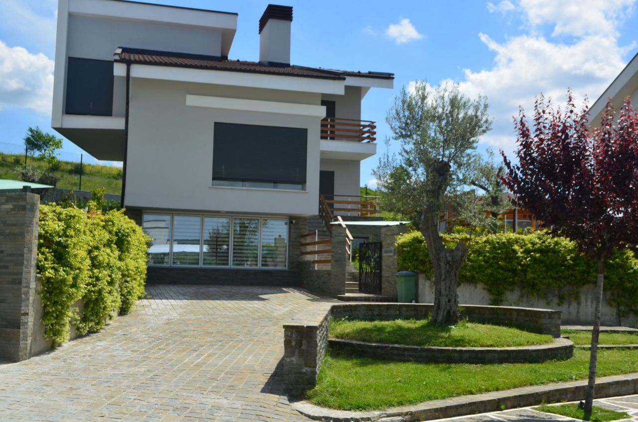 Nice and comfortable villa for rent in Tirana. Villa for rent at Longhill.