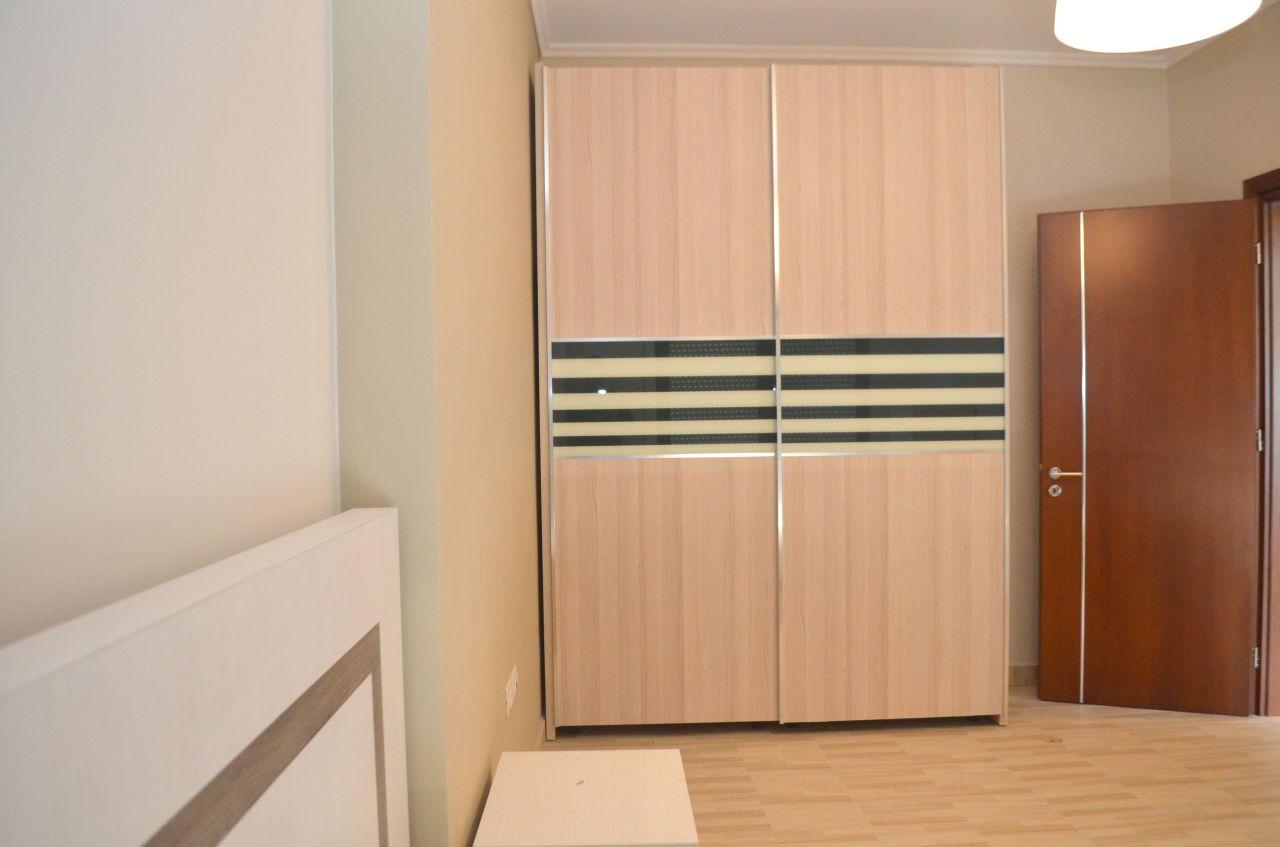 Apartament me qira ne Tirane. Apartament me tre dhoma gjumi ne Tirane