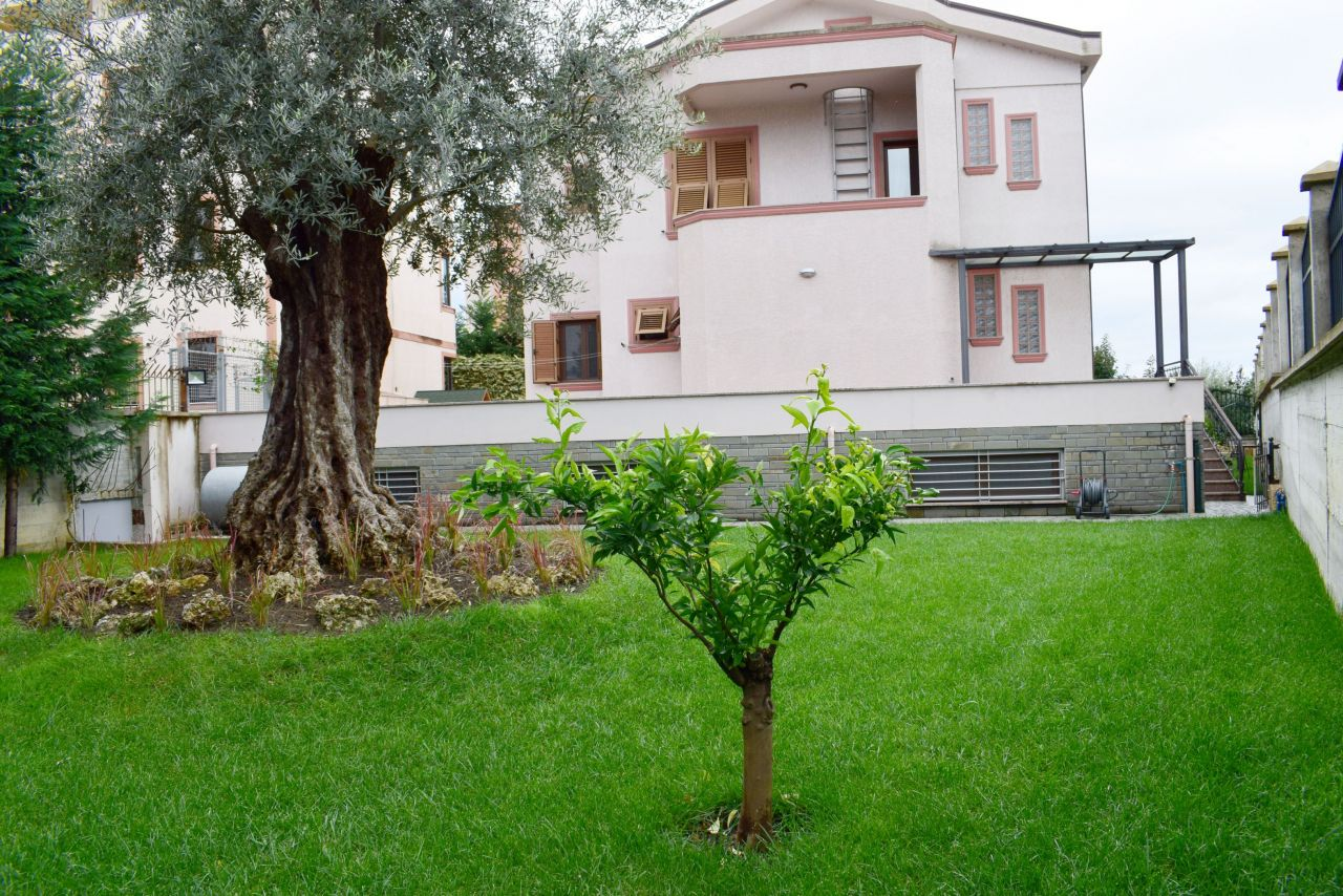 Villa for rent in Tirana in a Very Nice Area