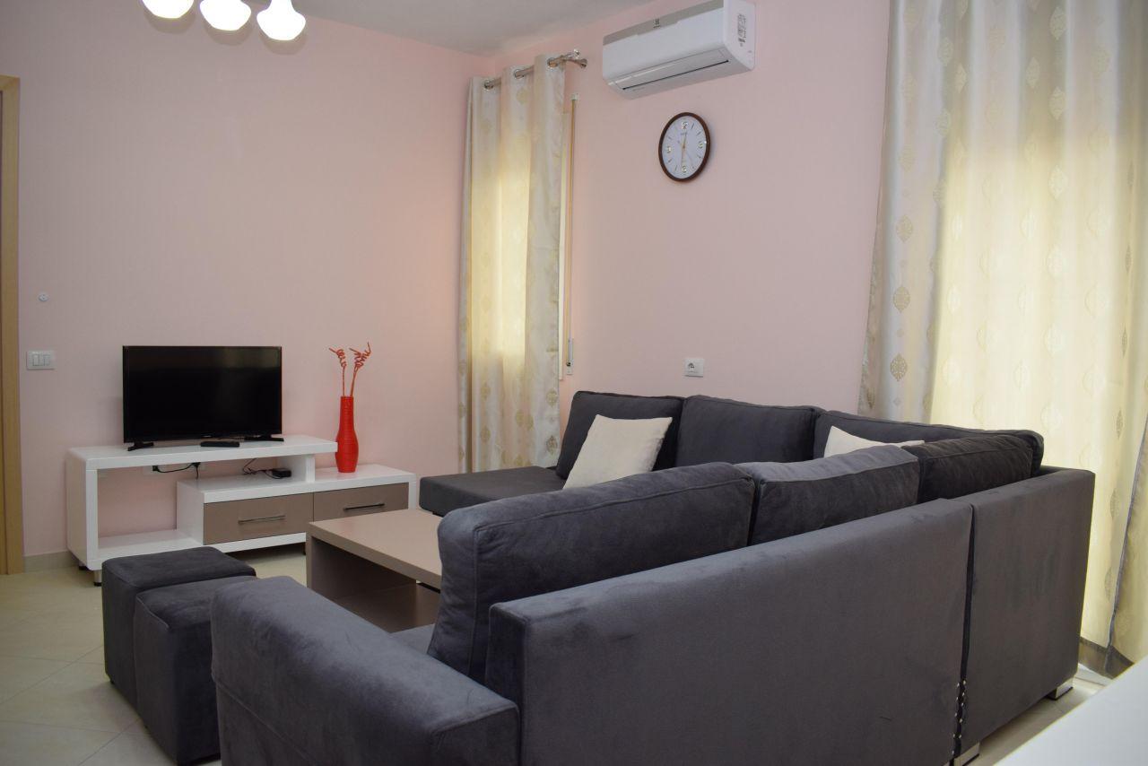 Jepet me Qera Apartament ne Tirane me Nje Dhome Gjumi