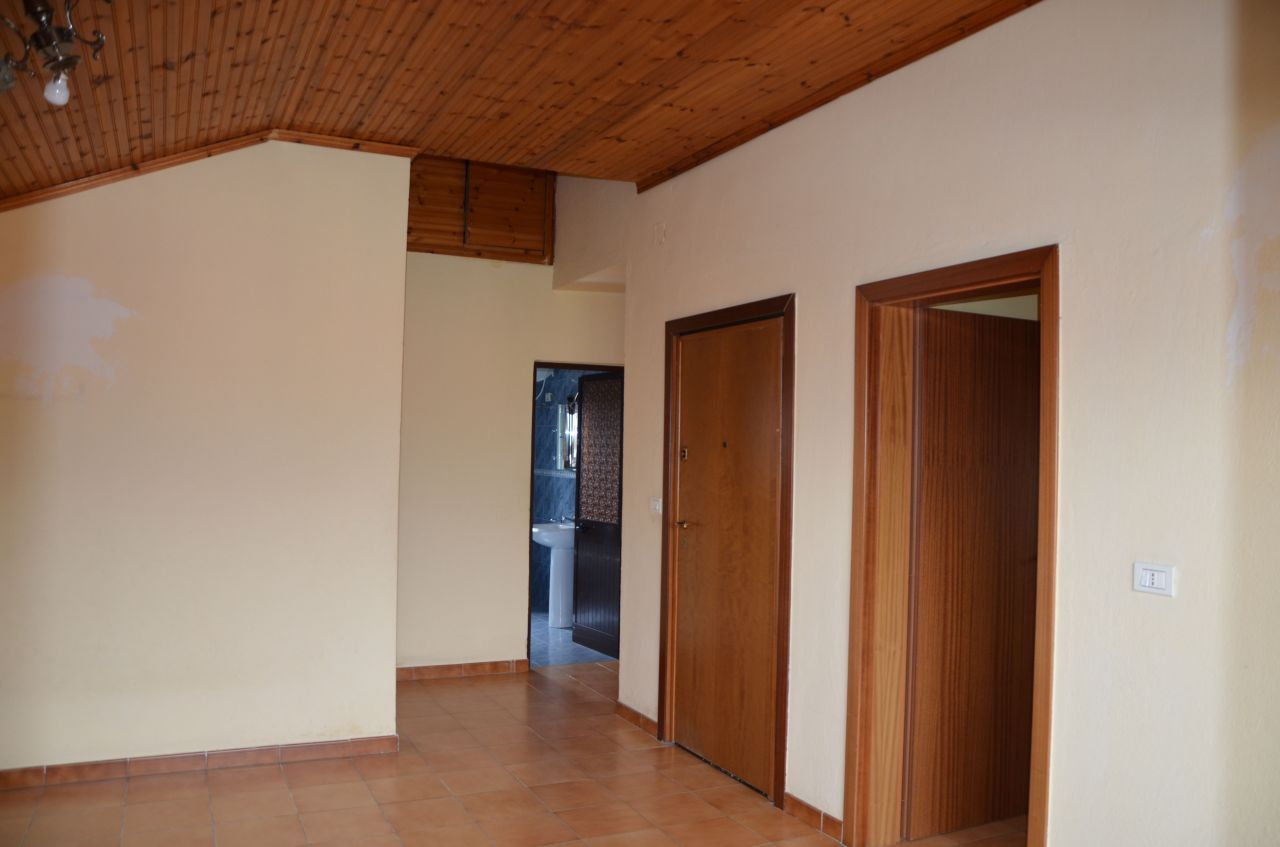 Villa for rent in Sauk, for business use. 10 minute drive from city center.