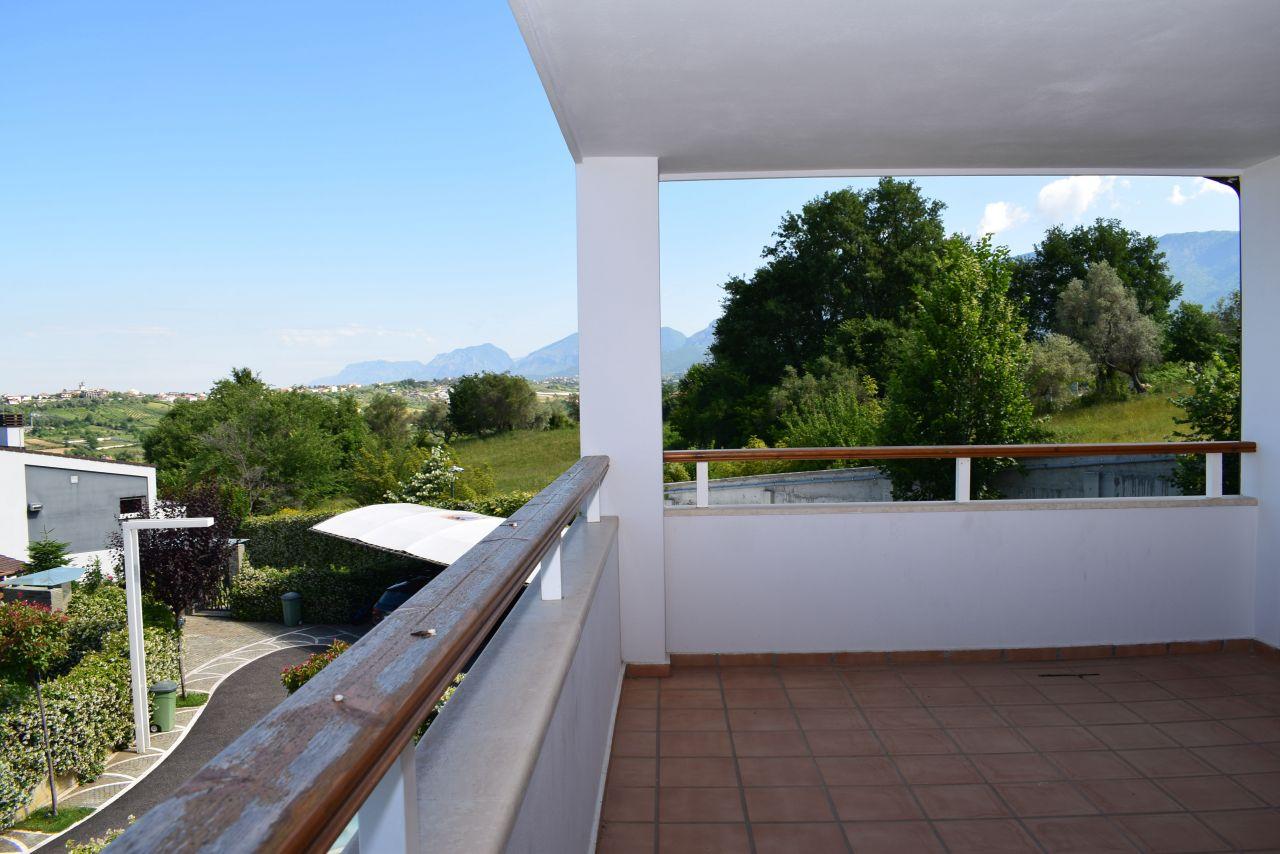 Villa for Rent near Tirana City with Garden