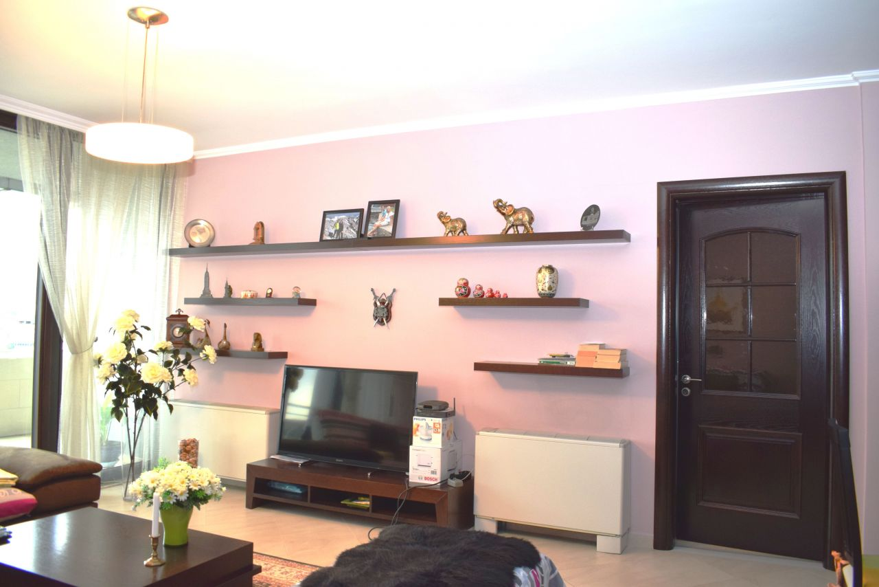 Spacious apartment for Rent with three bedrooms and two bathrooms in Tirana