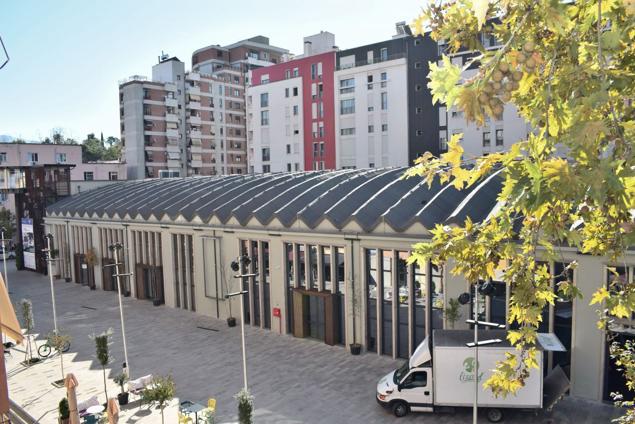 Jepet me qira Apartment 3+1, ne Tirane