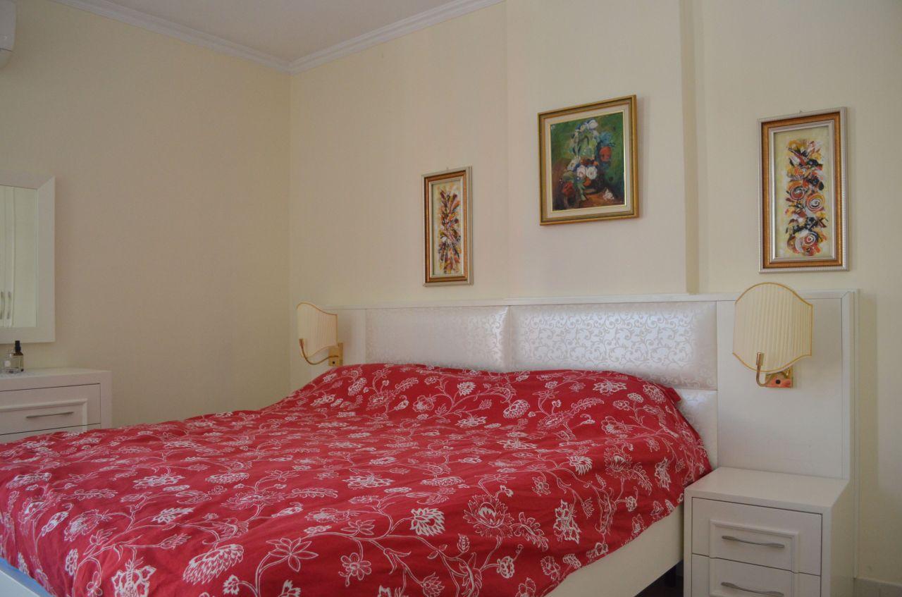 apartamente ne shitje ne tirane i mobiluar me dy dhoma gjumi