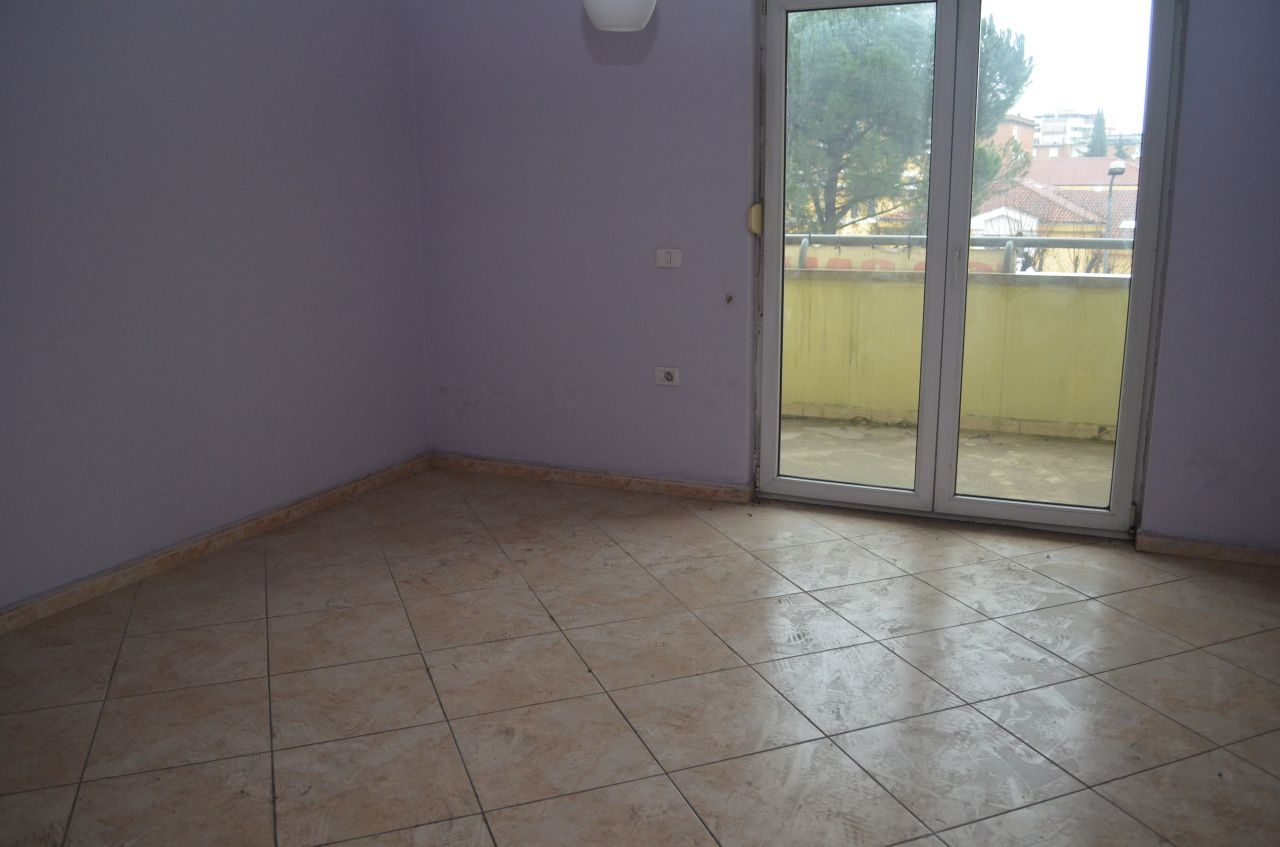 apartment for sale in tirana very good area for living with three bedrooms