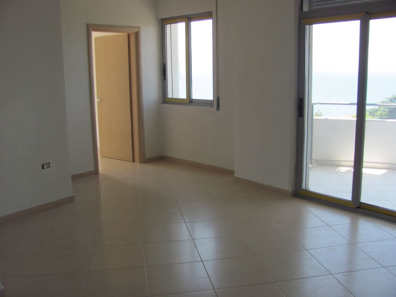 Finished apartments for sale in Vlora located in very good position with wonderful sea view.