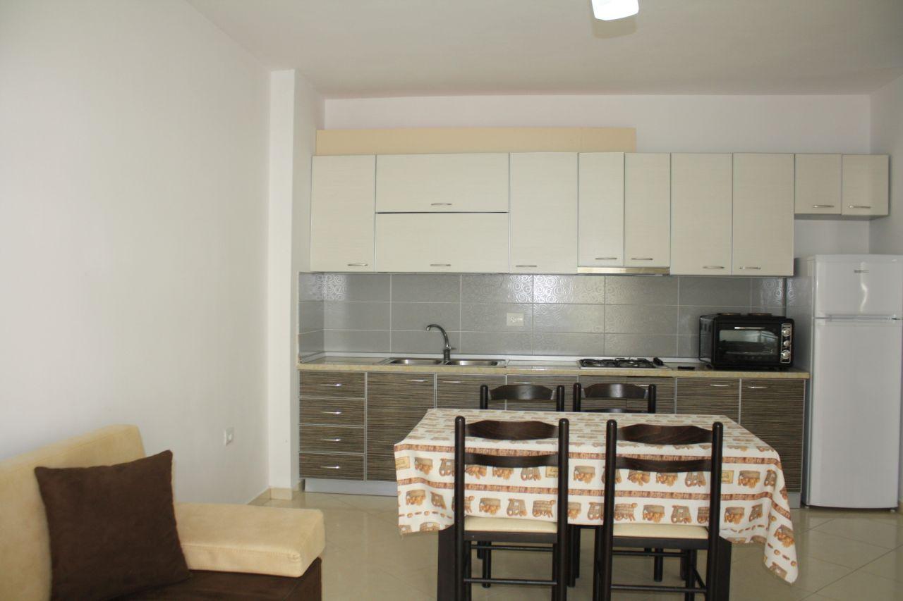 Nyaraló apartman kiadó Albániában, Vlora városában, a tengernél – Apartman kiadó – 61 m²