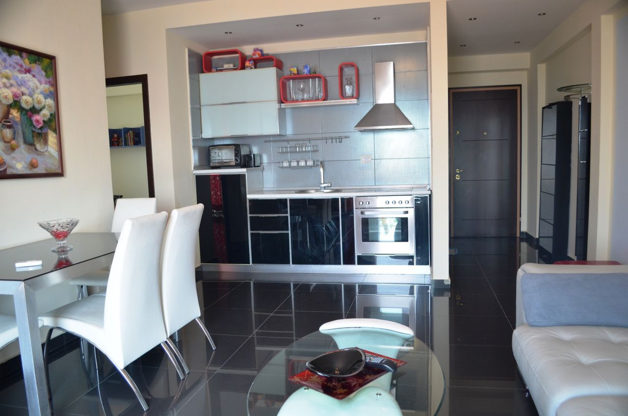 Albania Holiday Apartments in Vlora. Front Line Rental Apartment in Vlora