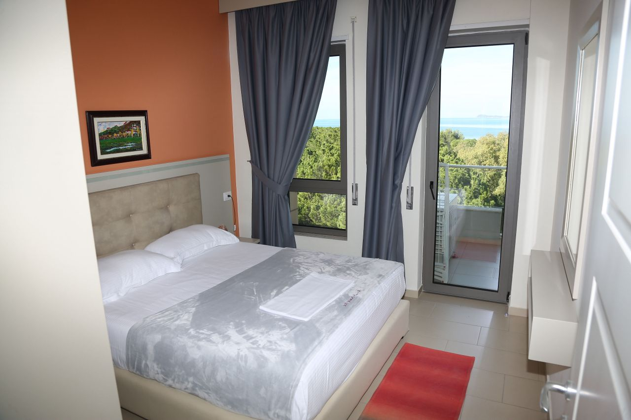 Vacation Holiday Apartment with Pool for Rent in Vlora