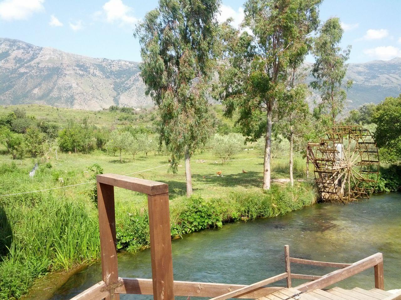 Holiday villa with swiming pool near Radhima Beach in Vlora