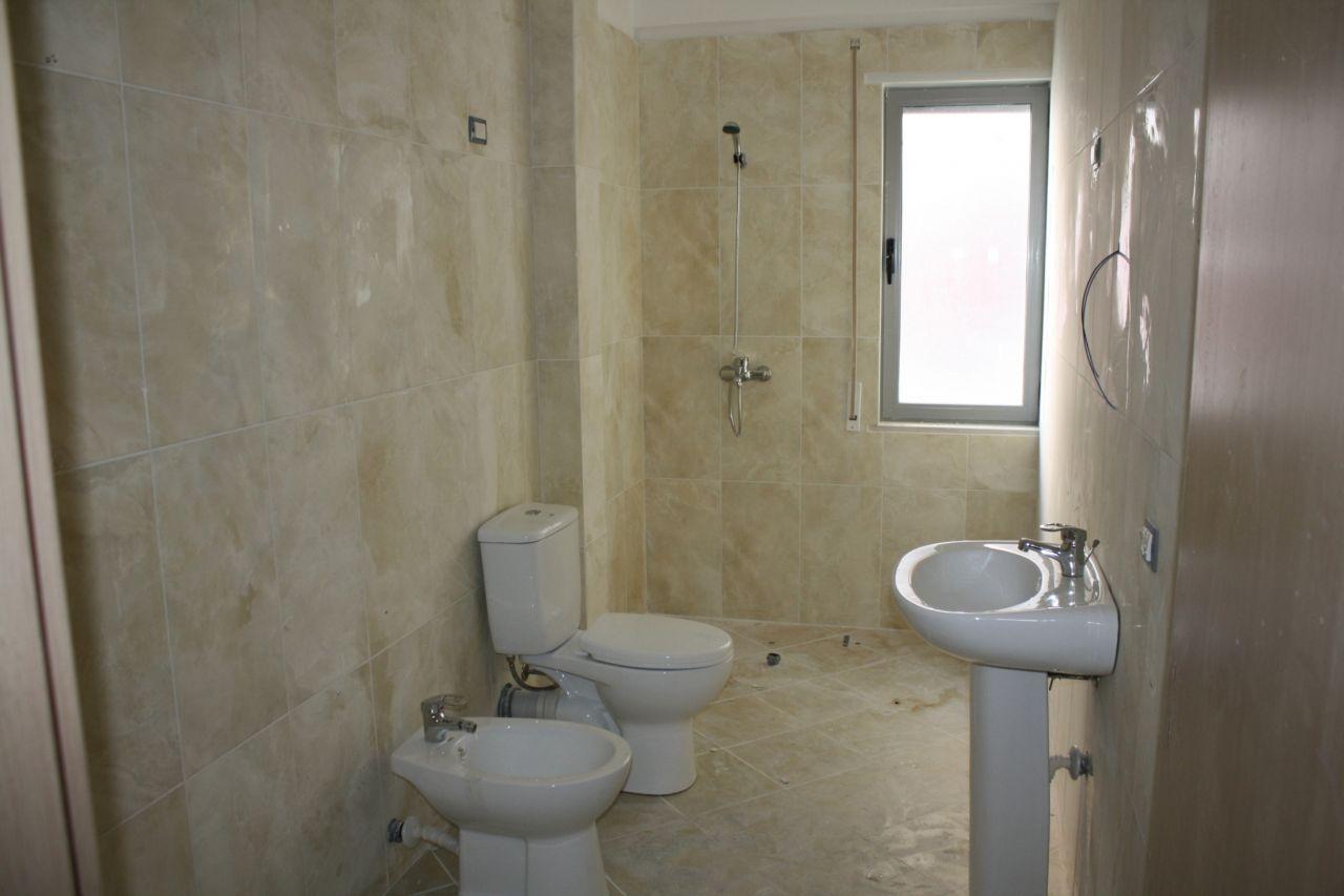 5 Rruga Murat Tërbaçi Vlorë 9403,  Albania