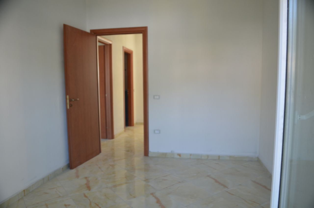 5 Rruga Murat Tërbaçi, Vlora 9403