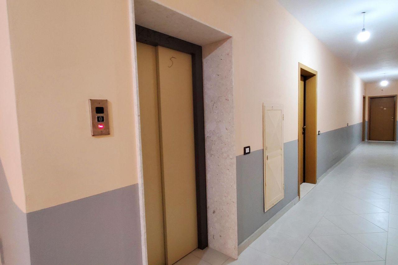 Apartament Ne Vije Te Pare Bregdetare Me Pamje Deti Ne Vlore